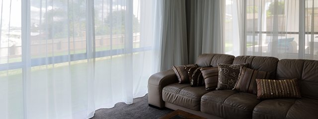 5 Advantages of Using Curtains Rather Than Blinds