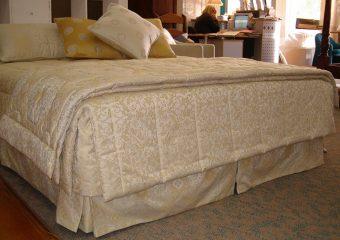 bed quitls reupholster