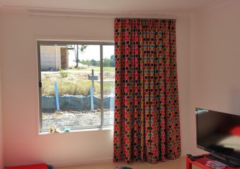 curtains under cornice